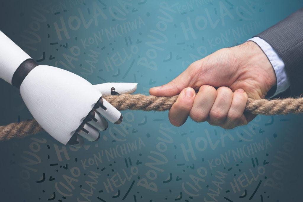 mano de humano y robot tirando de una cuerda